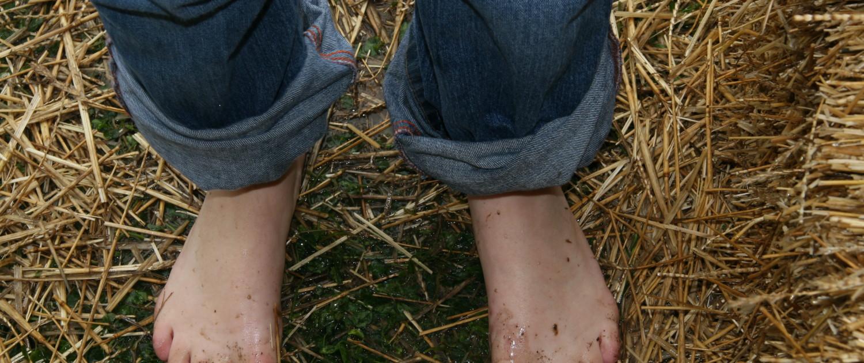 piedi nella paglia